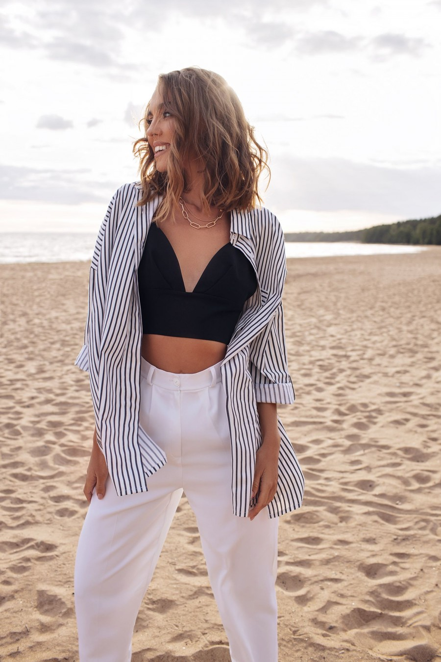 Oversize striped shirt (black and white)