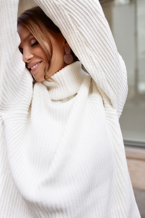 High neck sweater (white)