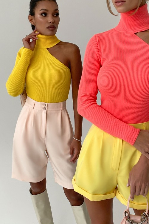 One shoulder turtleneck (yellow)