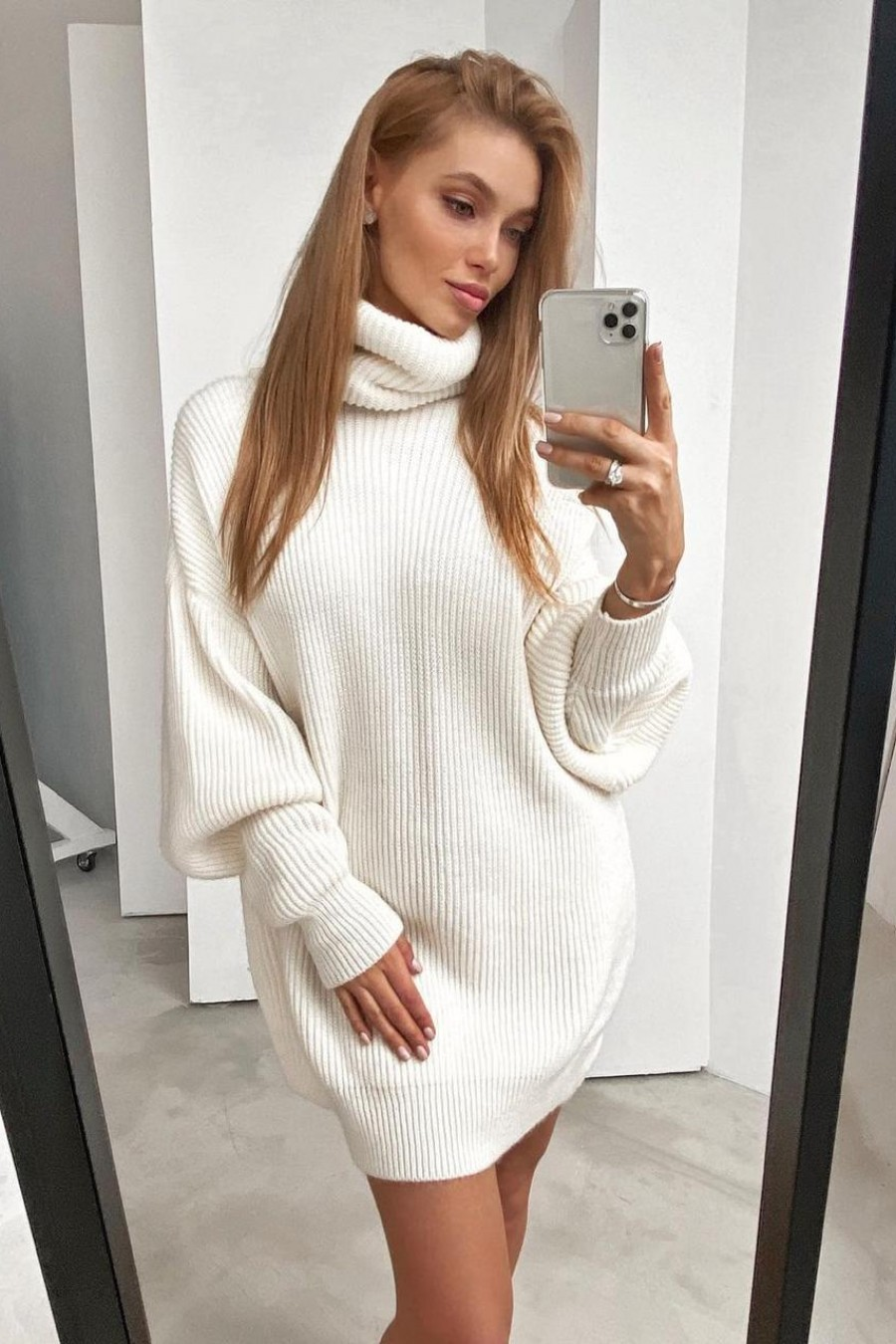High neck sweater dress (white)