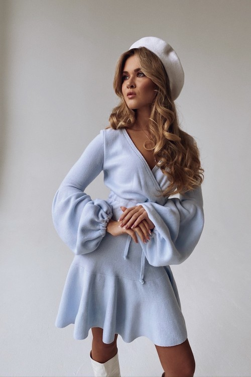 Flashlight sleeve knitted dress (light blue)