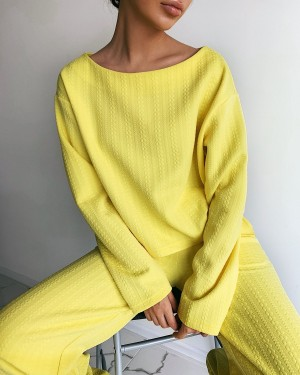 Textured pants (yellow)